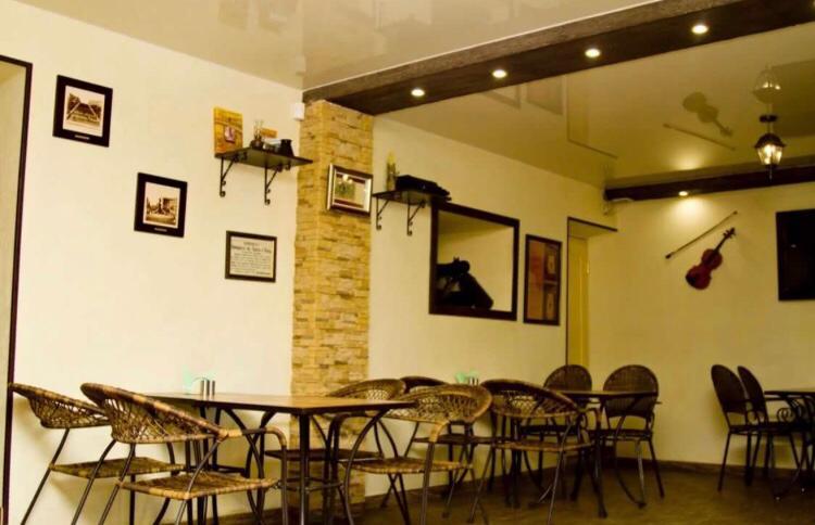 Дизайн натяжных потолков для кафе в Самаре